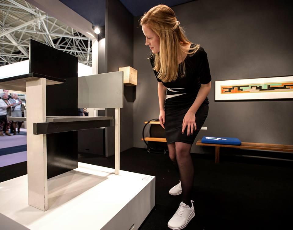 Stoel Gerrit Rietveld : Onderzoek naar berlijnse stoel gerrit rietveld u van den bruinhorst